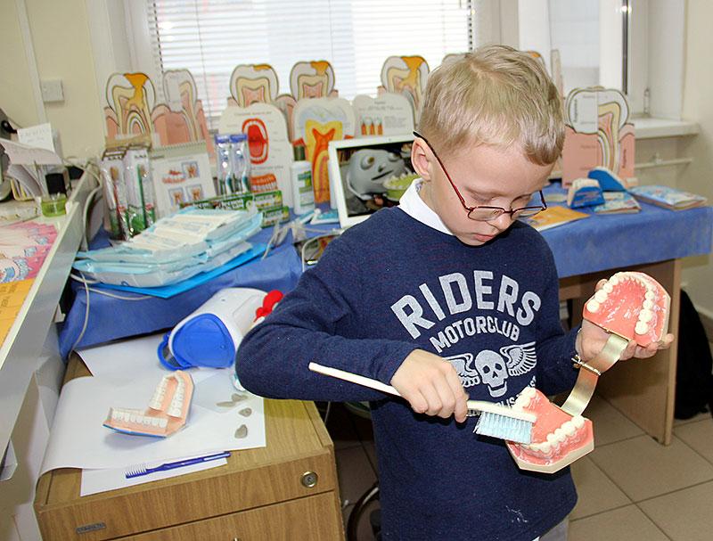 В МГМСУ и ЦНИИС и ЧЛХ для детей проходили познавательные мастер-классы